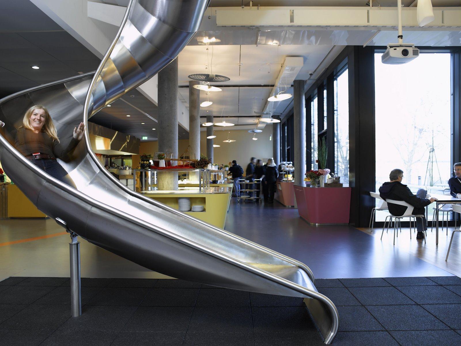 Le toboggan intérieur à Zurich =).