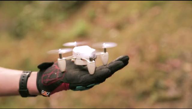 zano drone taille paume main