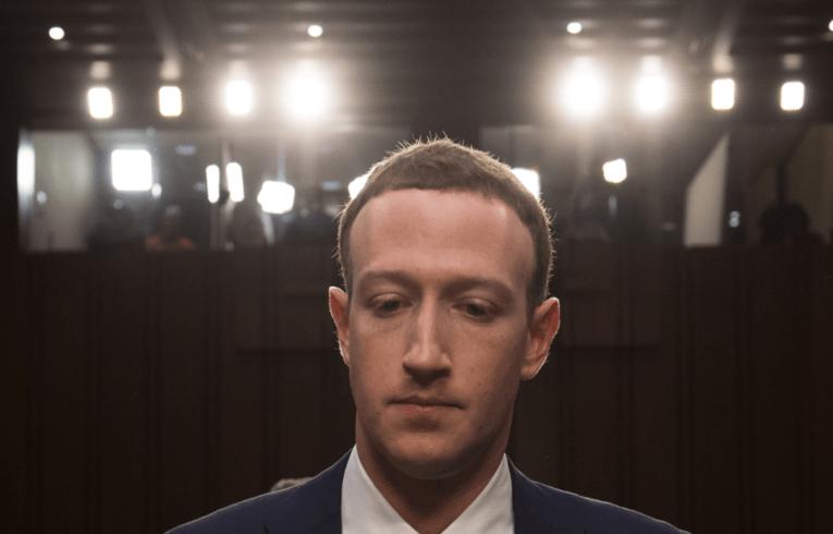 Mark Zuckerberg Facebook élections donnéesshadow profile