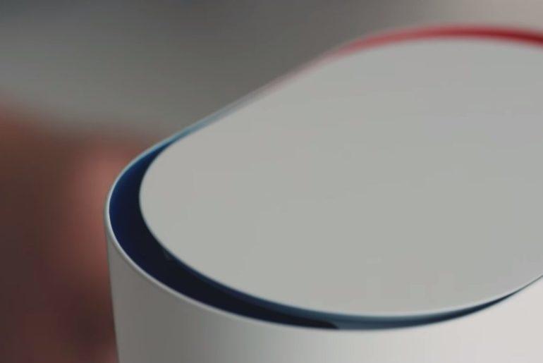 DUO Carafe est une carafe qui permet de servir de l'eau chaude ou froide de façon instantanée