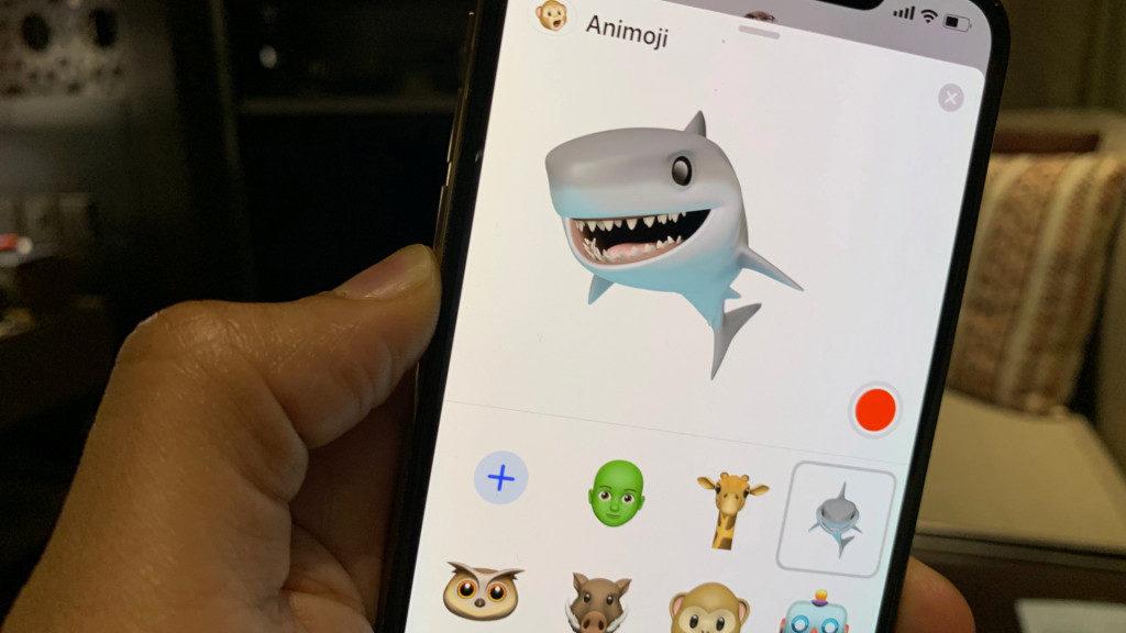 Présentation de l'animoji requin sur iOS 12.2