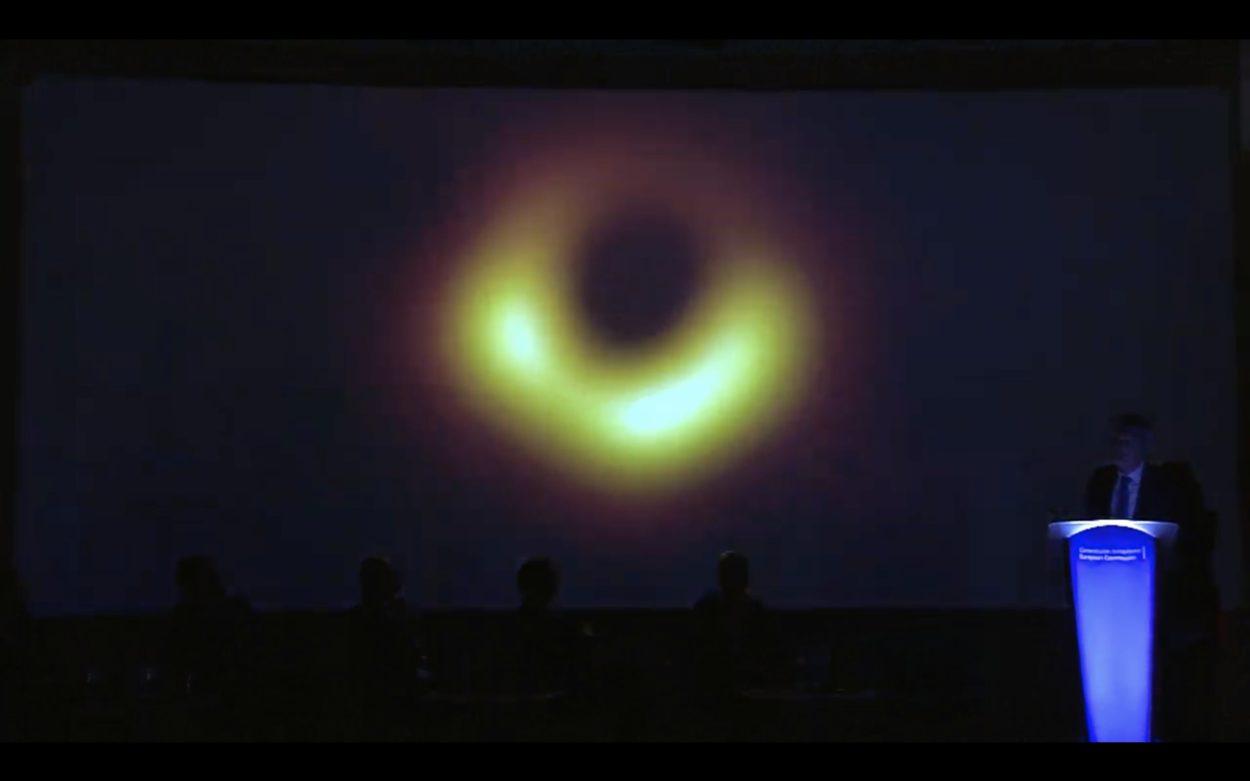 Photo du trou noir capté par event horizon telescope
